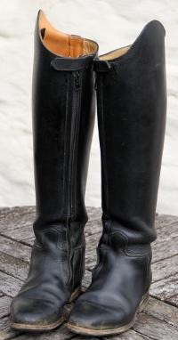 Pferd Lederreitstiefel Tipps Anziehen Leicht So Geht's Zum vnymwON08