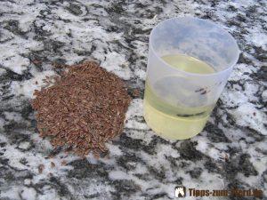 Um den Fellwechsel zu unterstützen eignen sich Leinsamen und Öl